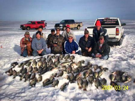 Crappie fish houses autos post for Red lake fish house rentals